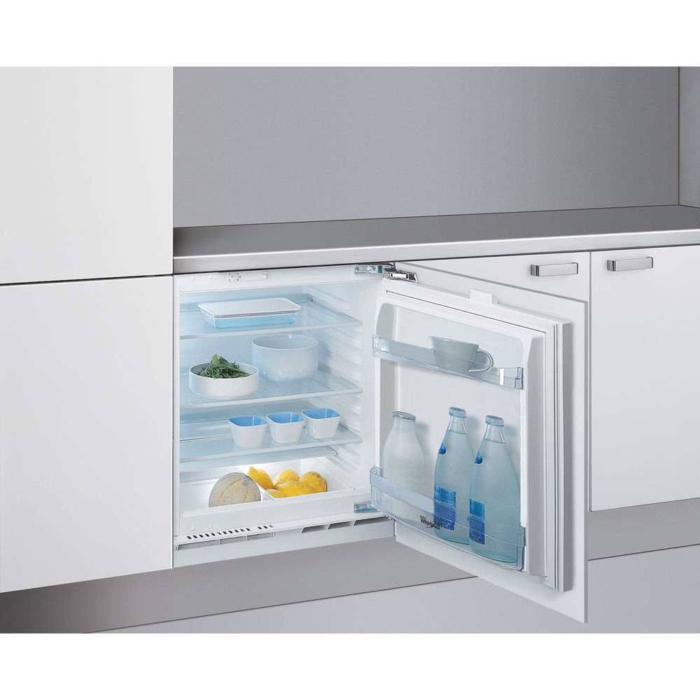 Whirlpool integrated fridge: white color - ARG 146/A+/LA