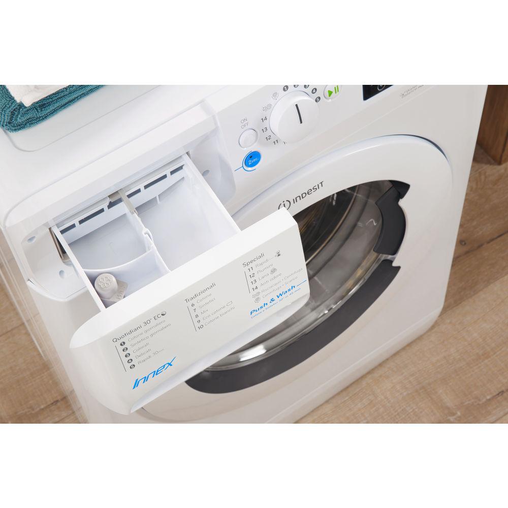 freestanding washing machine