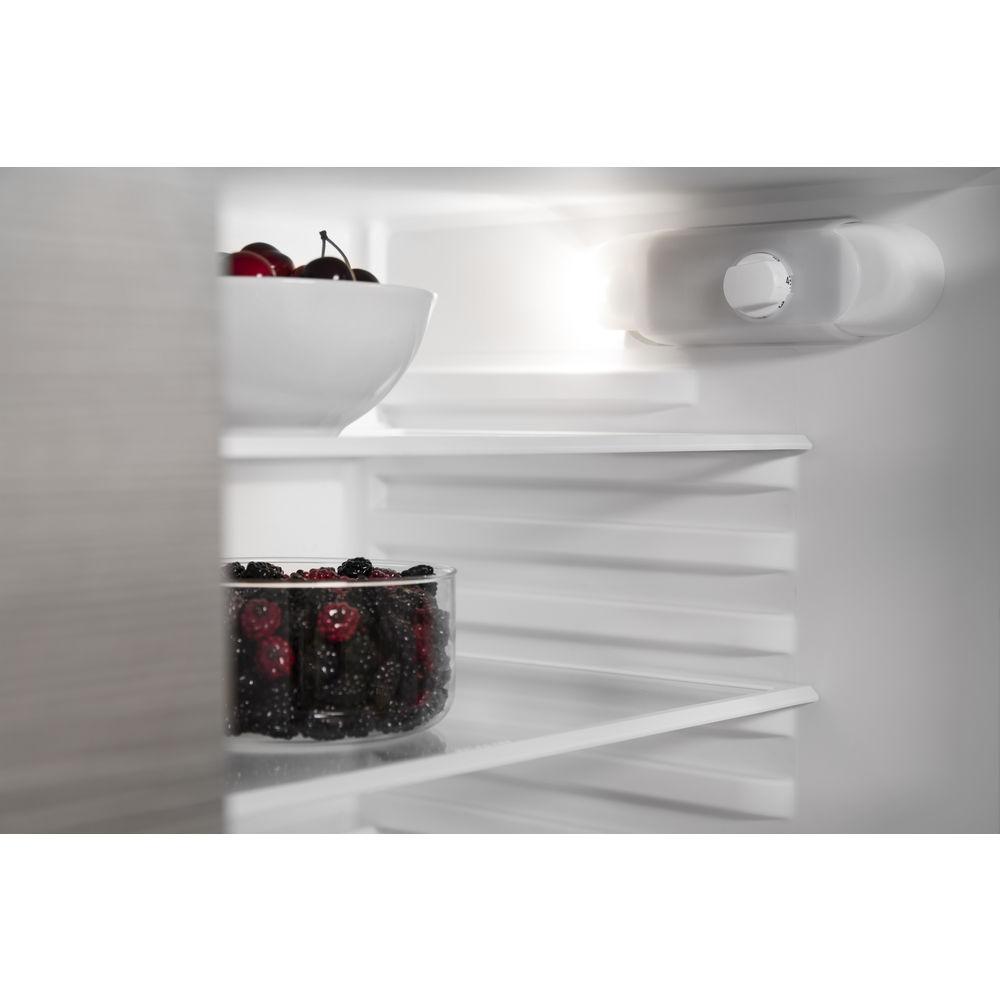integrierbarer einbau k hlschrank mit gefrierfach nische. Black Bedroom Furniture Sets. Home Design Ideas