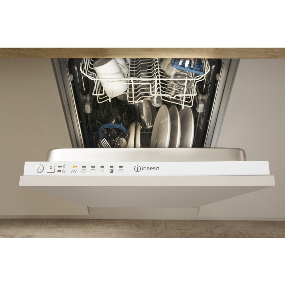 Indesit Fast Eco Cycle DISR 14B1 Integrated Dishwasher in White