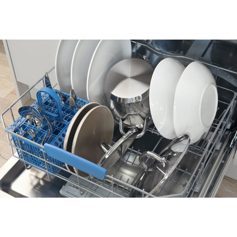 Semi integrated dishwasher: full size, inox colour