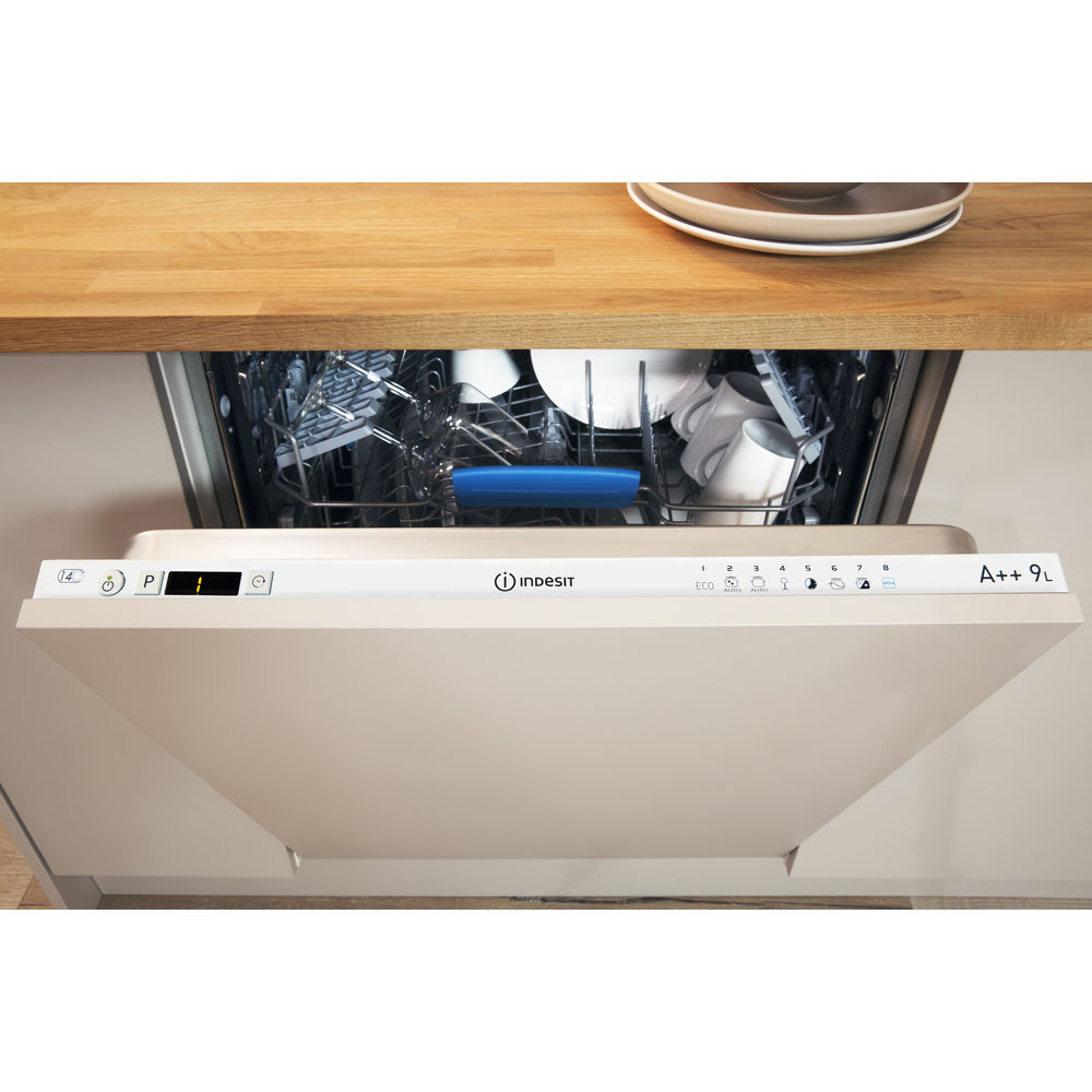 Indesit DIF 04B1 Ecotime Integrated Dishwasher in White