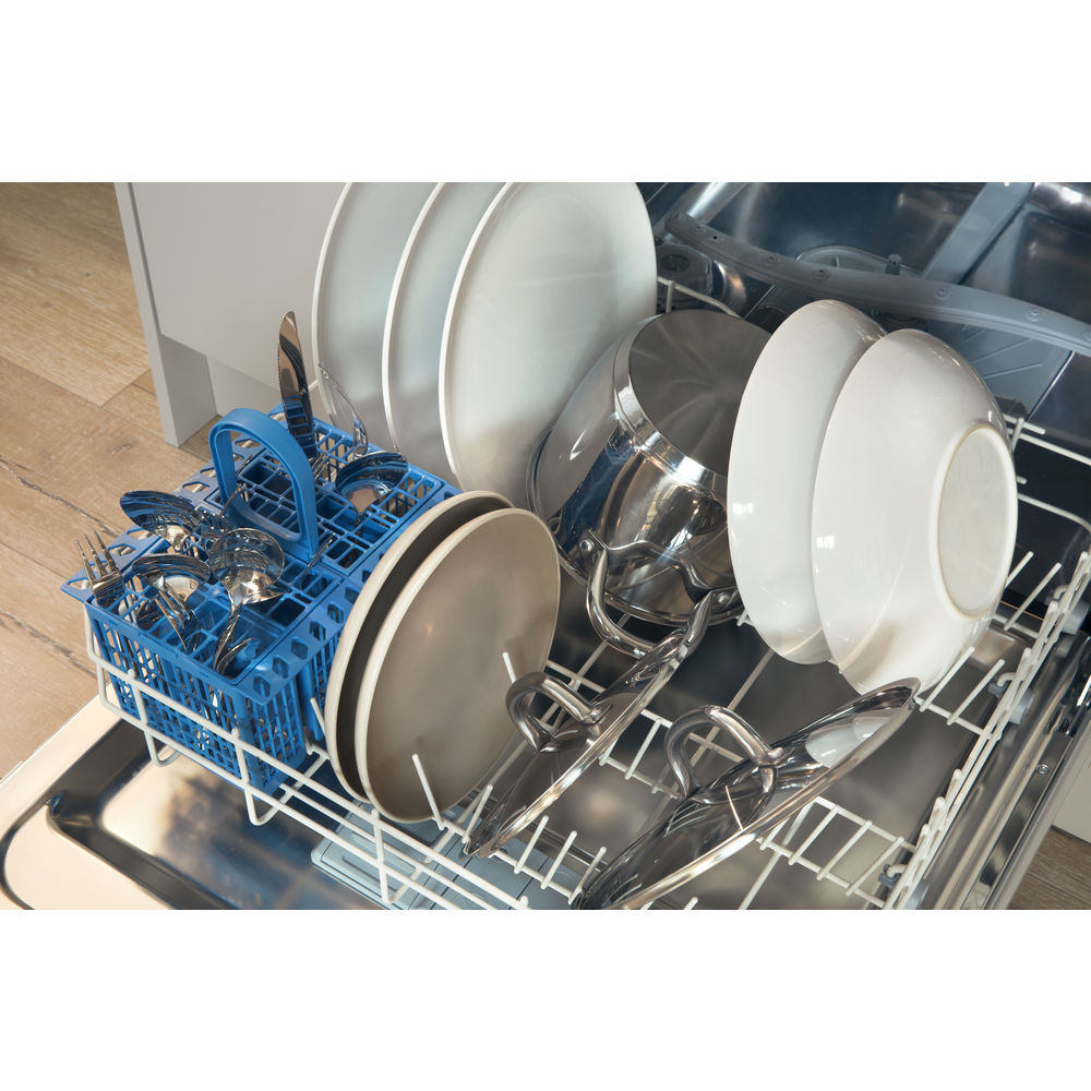 Indesit DIF 16B1 Fast Eco Cycle Integrated Dishwasher in White