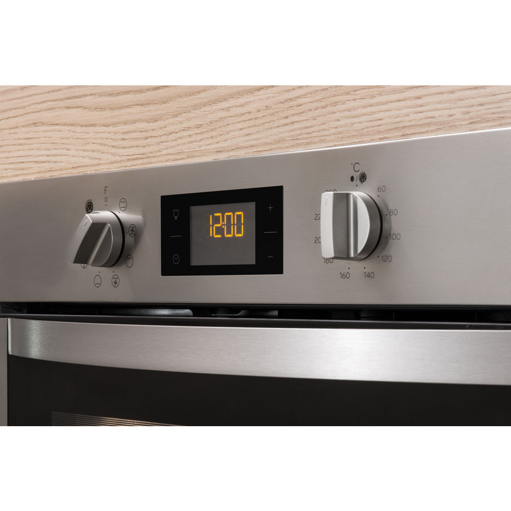 Four encastrable Indesit  couleur inox, pyrolyse  IFW