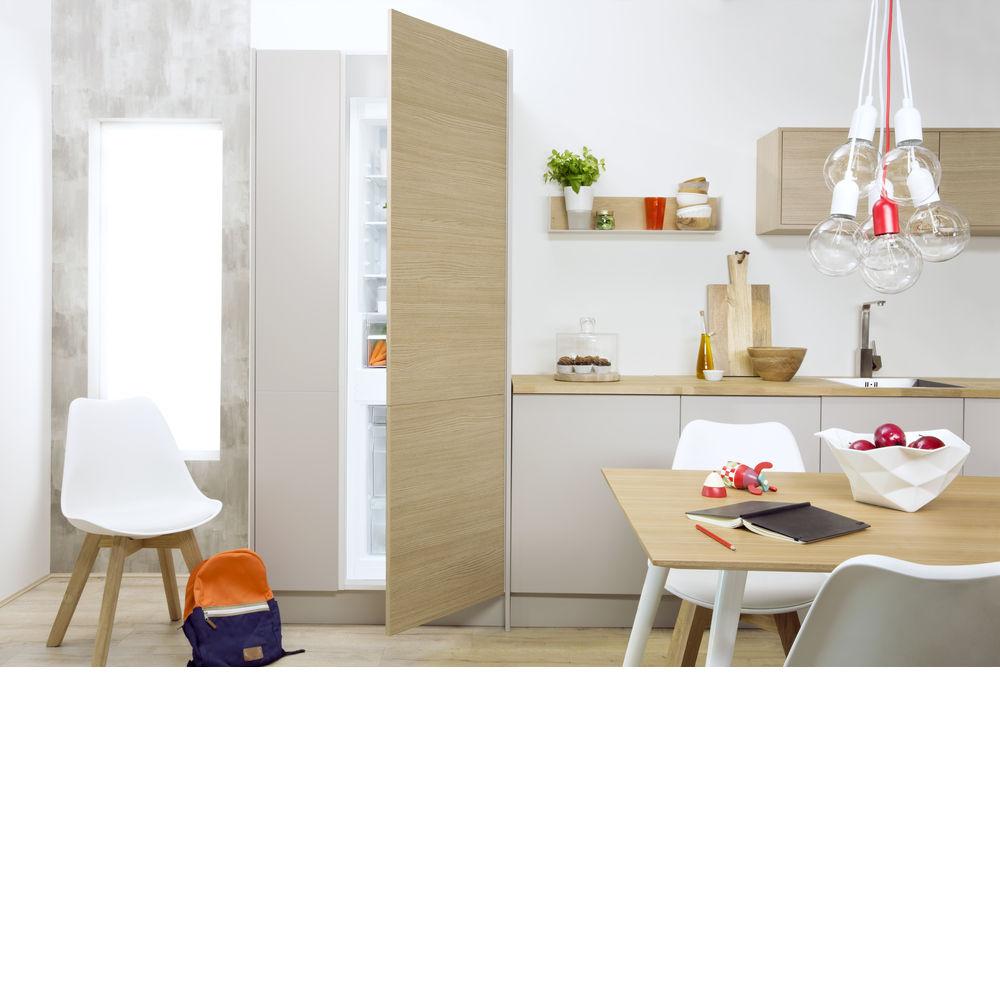indesit einbau k hl gefrierkombination b 18 a1 d i. Black Bedroom Furniture Sets. Home Design Ideas