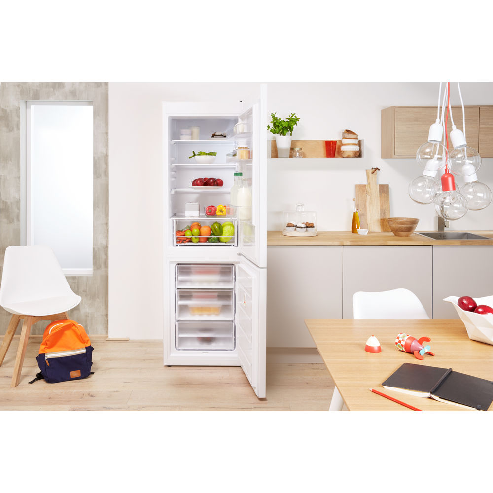 Indesit CVTAA 55 NF Fridge Freezer in White