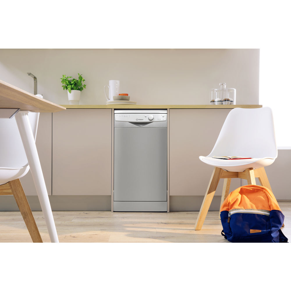 Dishwasher: slim, silver colour