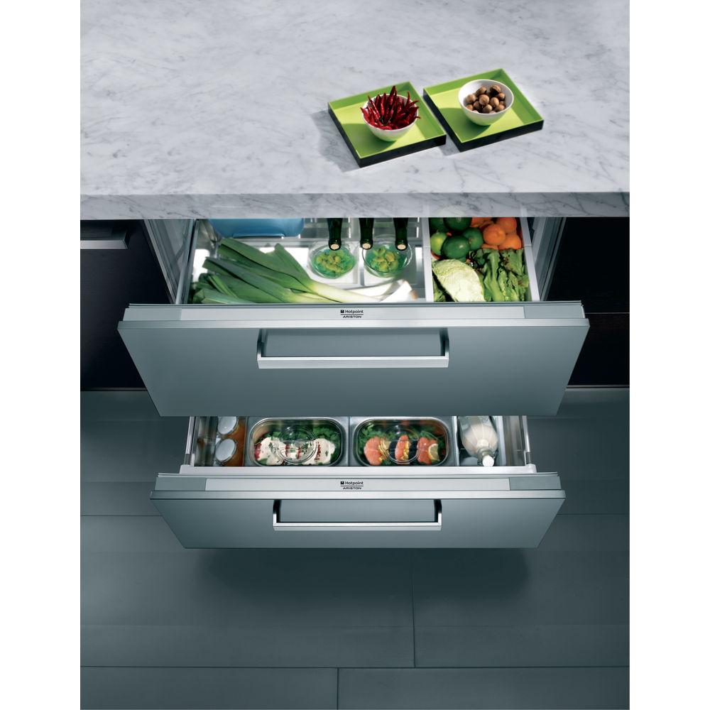 Встраиваемый холодильник Hotpoint: белый цвет