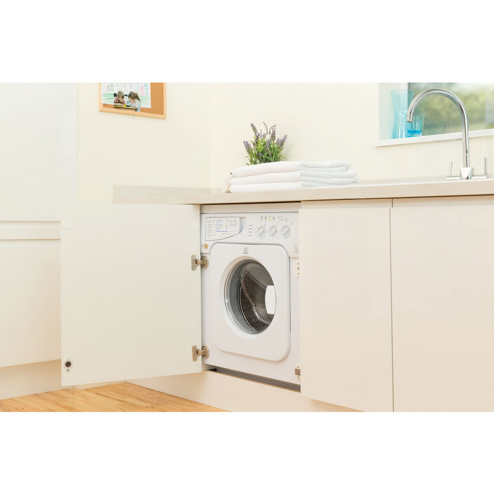 Built in front loading washing machine: 7kg