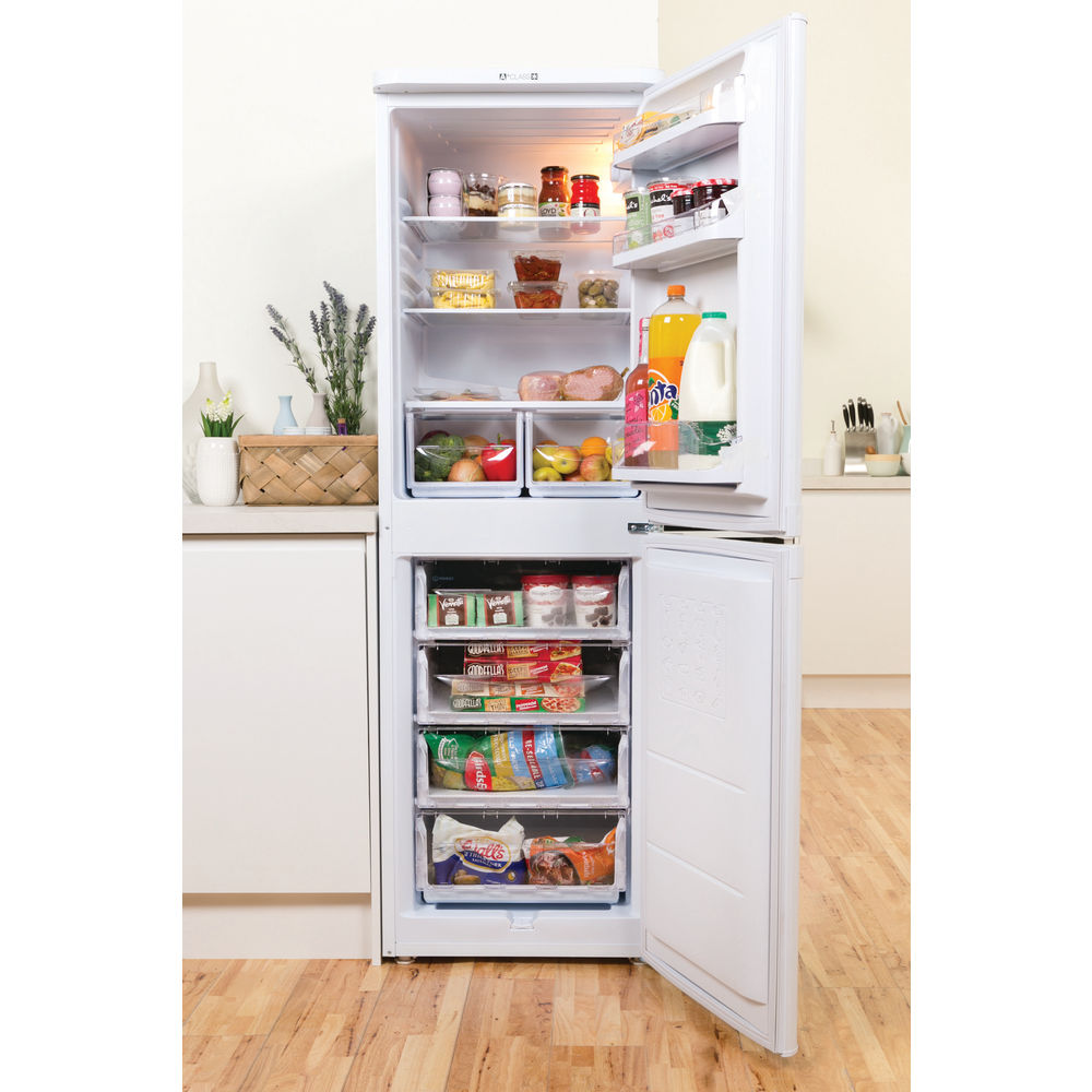 Indesit CAA 55 (UK) Fridge Freezer in White