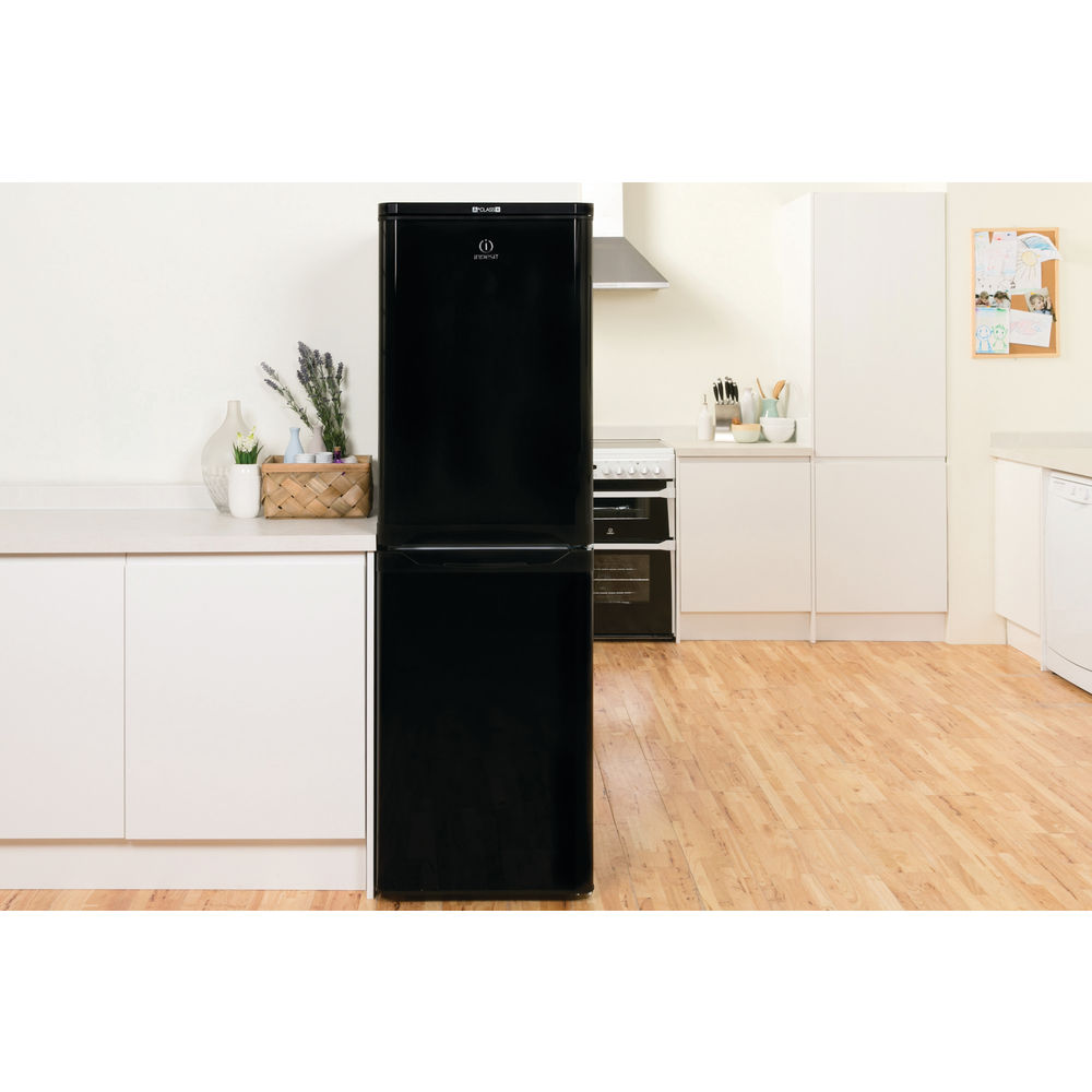Indesit CAA 55 K Fridge Freezer in Black