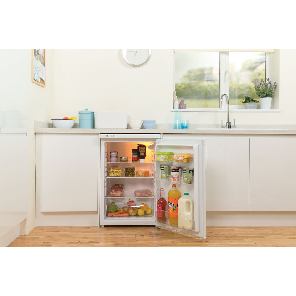 Freestanding fridge: white colour