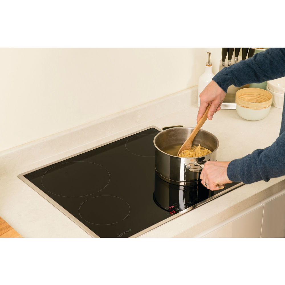 Indesit VRB 640 X Electric Hob in Black