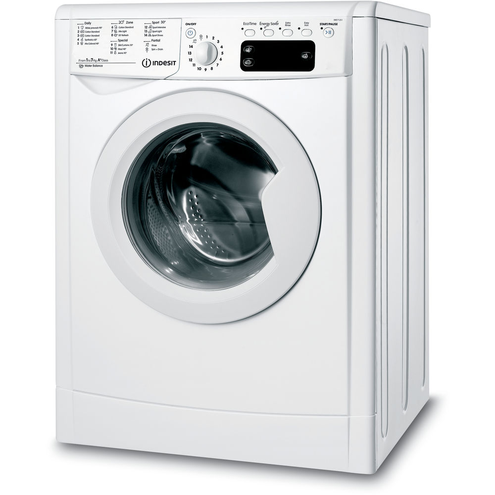 Indesit freestanding front loading washing machine: 7kg