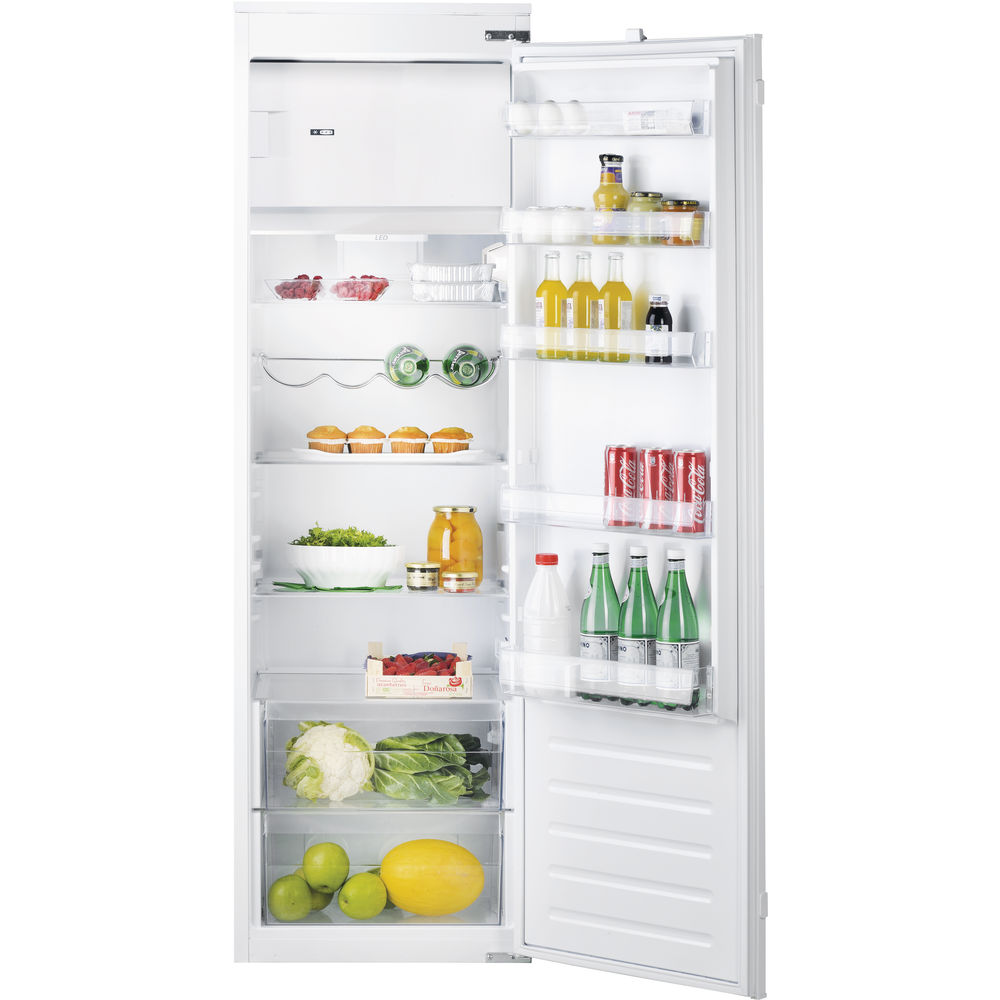 white color: Hotpoint integrated fridge