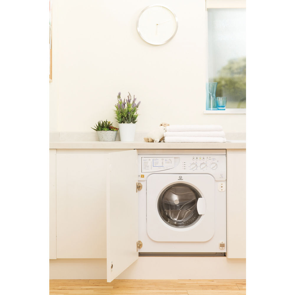 Indesit Ecotime IWME 147 Integrated Washing Machine in White