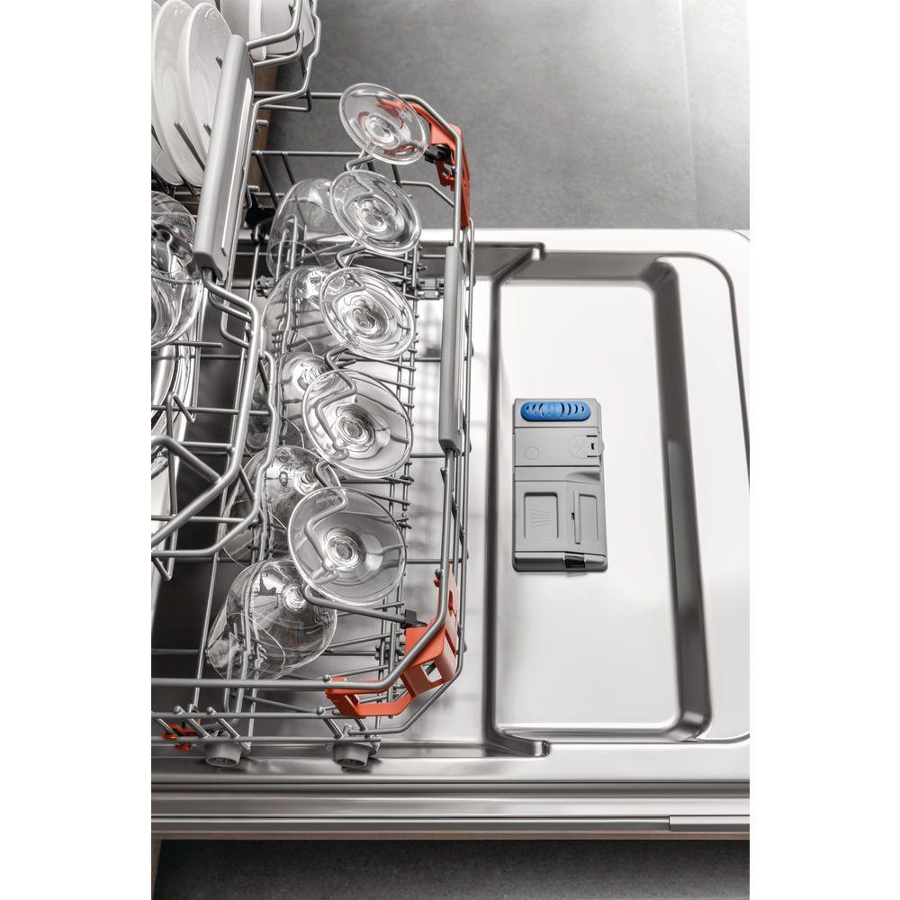 Hotpoint integrated dishwasher: full size, inox - HIP 4O22