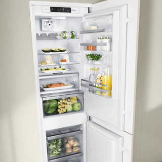 Whirlpool ART 228/80 SF1 Built in Fridge Freezer 306L 5