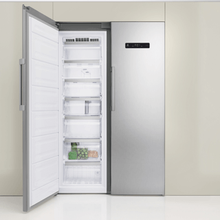 Whirlpool ARG 18083 A++.1 Integrated Fridge 3