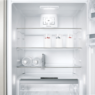 Whirlpool ARG 18083 A++.1 Integrated Fridge 2