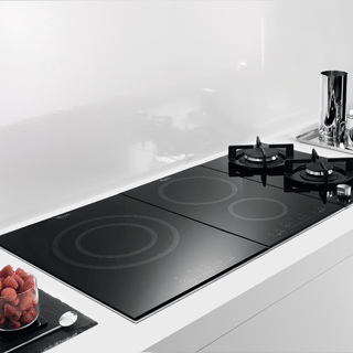 Whirlpool Fusion ACM868BAIXL Induction Hob - Black 1